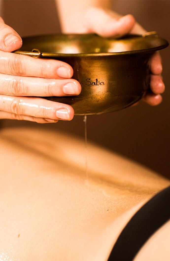 Massage Shirodhara par Zen Hammam à Caen dans le Calvados